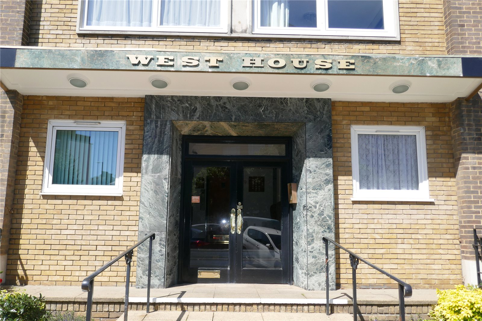 West House, Chiswick Place