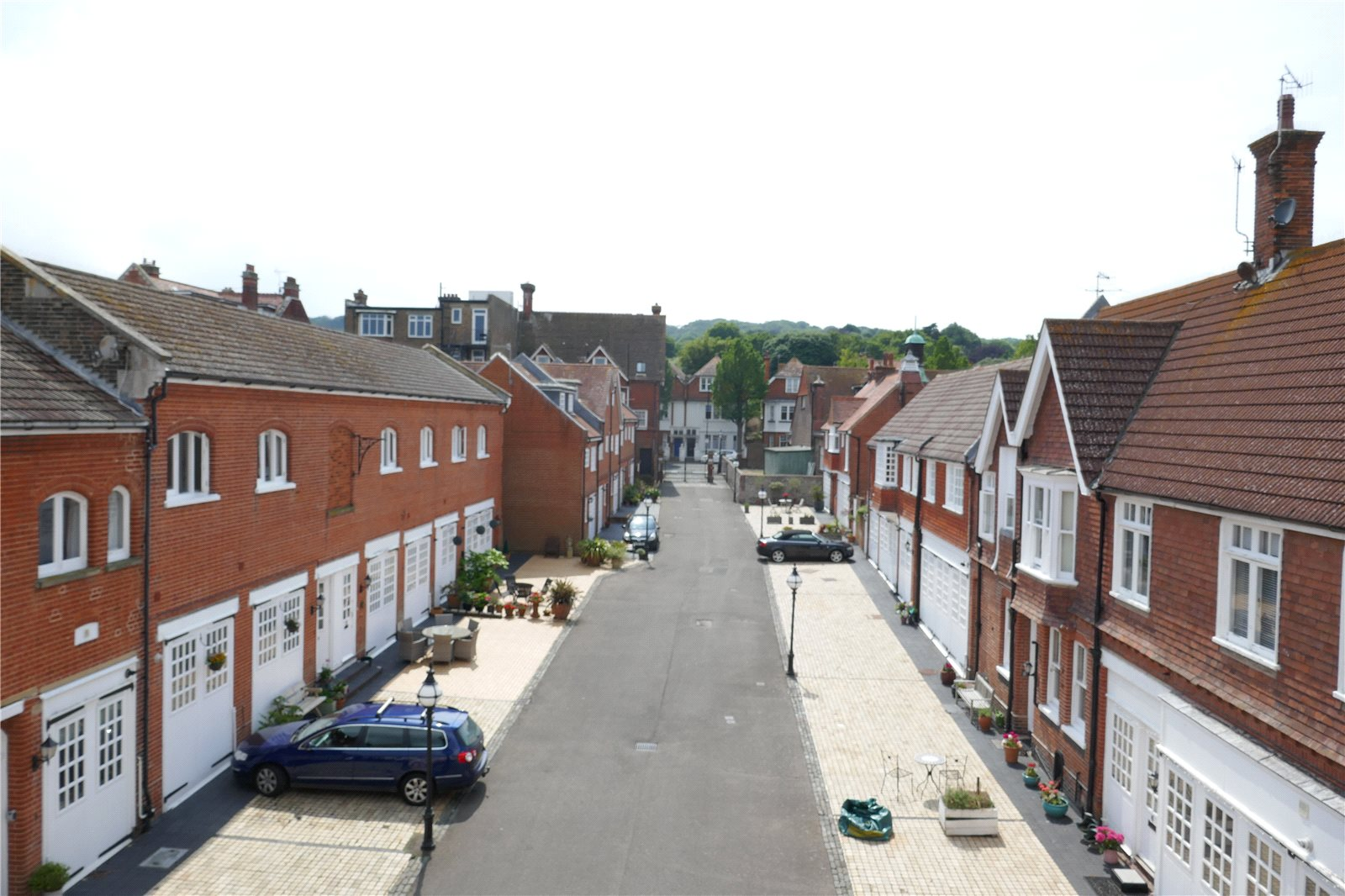 De Walden Mews, Meads