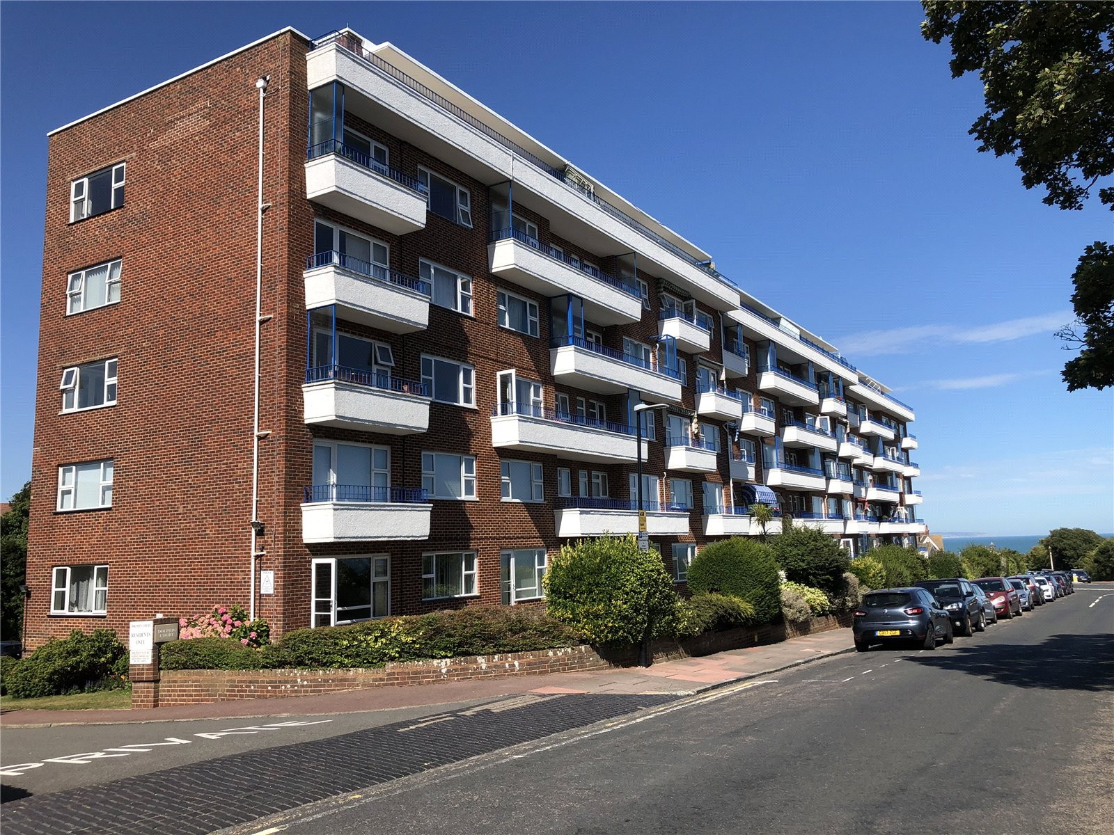 Dolphin Court, Cliff Road