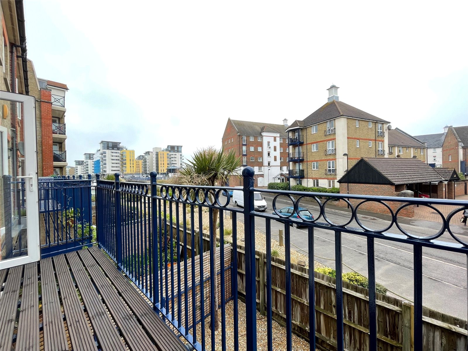 The Piazza, Sovereign Harbour South